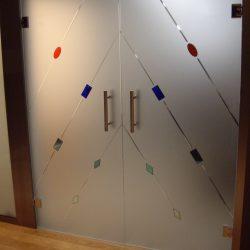 Puertas de cristal con bisagras