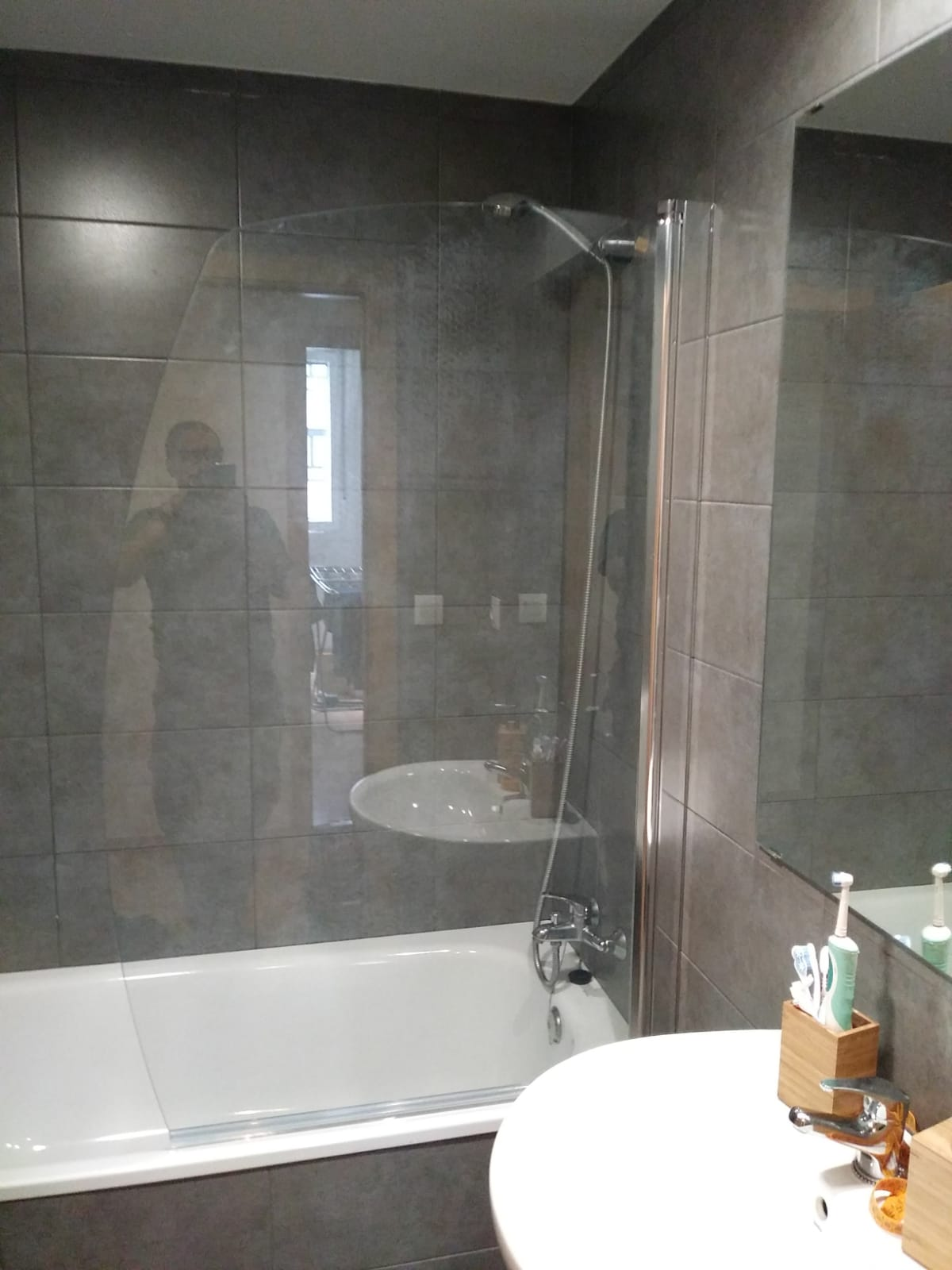 Mamparas de bañera a medida en Bilbao