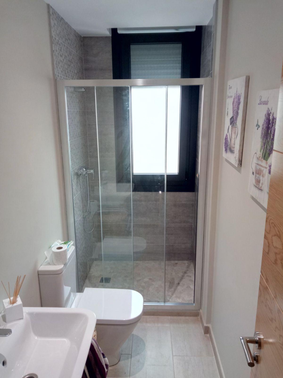 Mamparas de ducha a medida en Bilbao