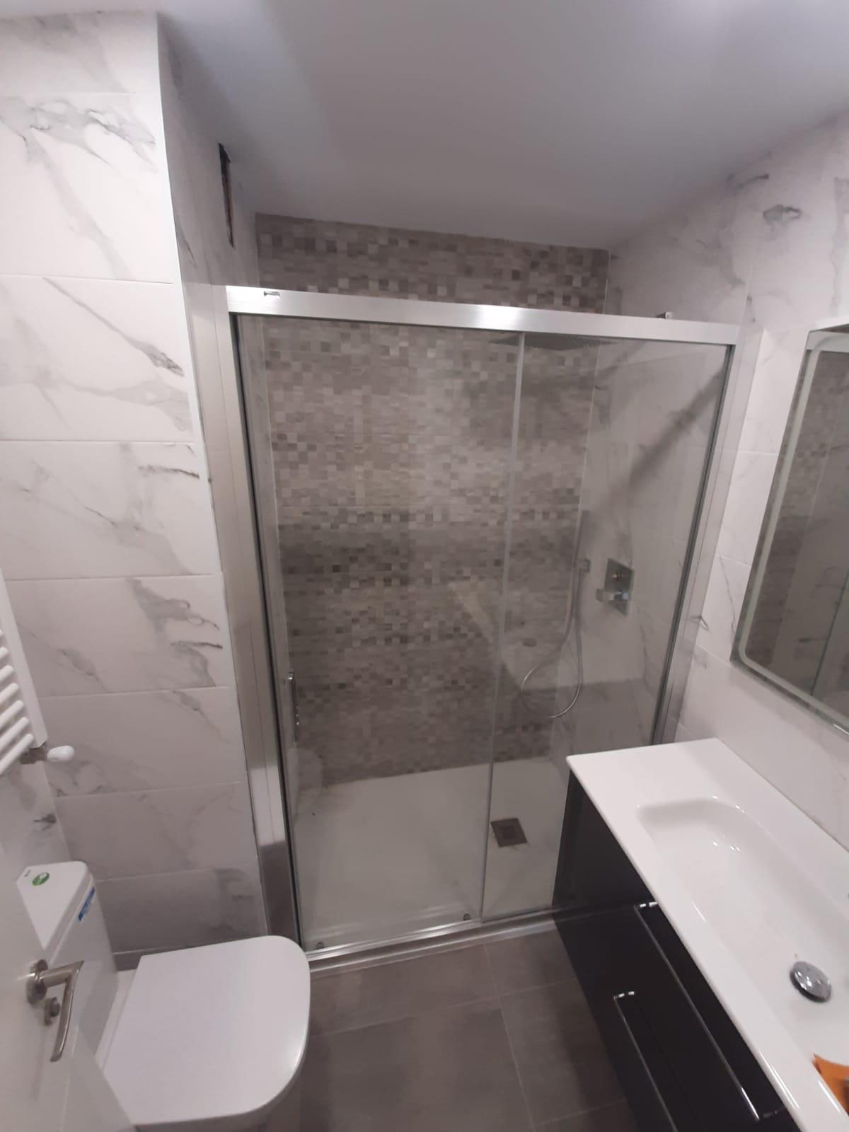 Mamparas de ducha a medida, Bilbao